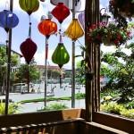 Đèn lồng trang trí quán cafe Chez Vous