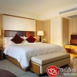Đèn bàn đặt đầu giường ngủ chung cư cao cấp