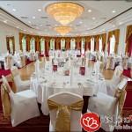 Bố trí ánh sáng đèn phù hợp không gian nhà hàng tiệc cưới